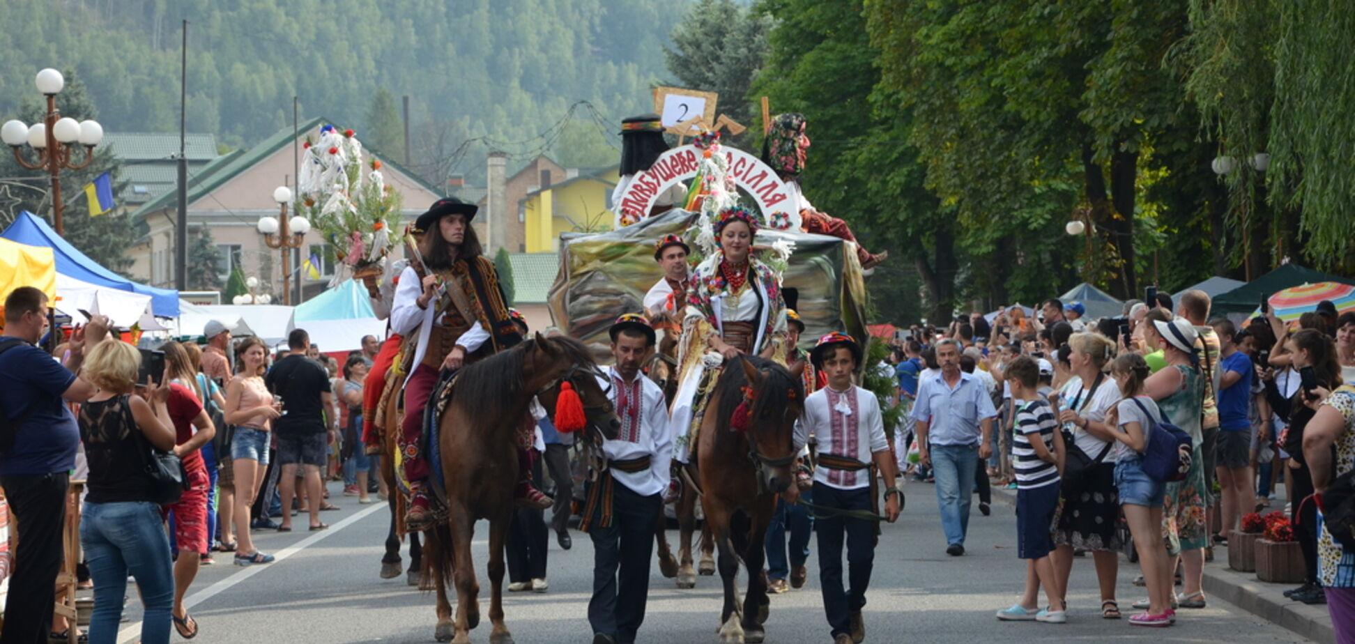 'Это наш ответ супостату!' В Яремче состоялся первый Гуцульский карнавал