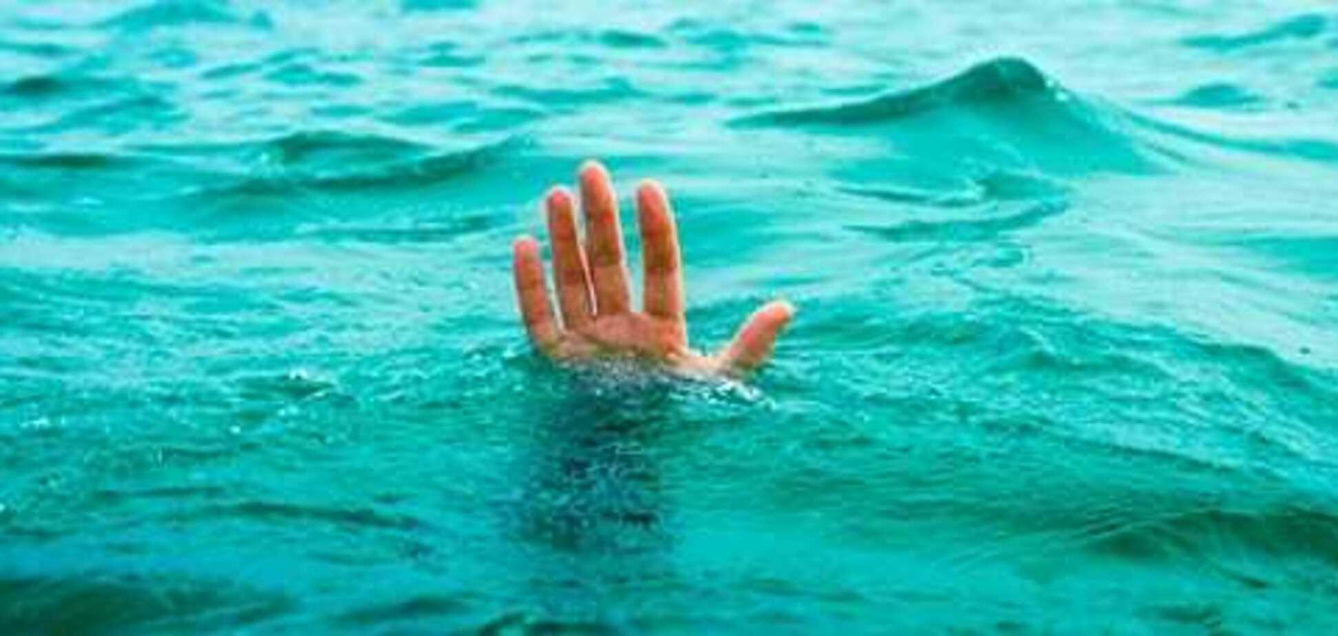 В центре Днепра в воде обнаружили двух мужчин: что случилось