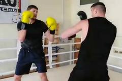 Непереможний боксер 'побив' лідера збірної України