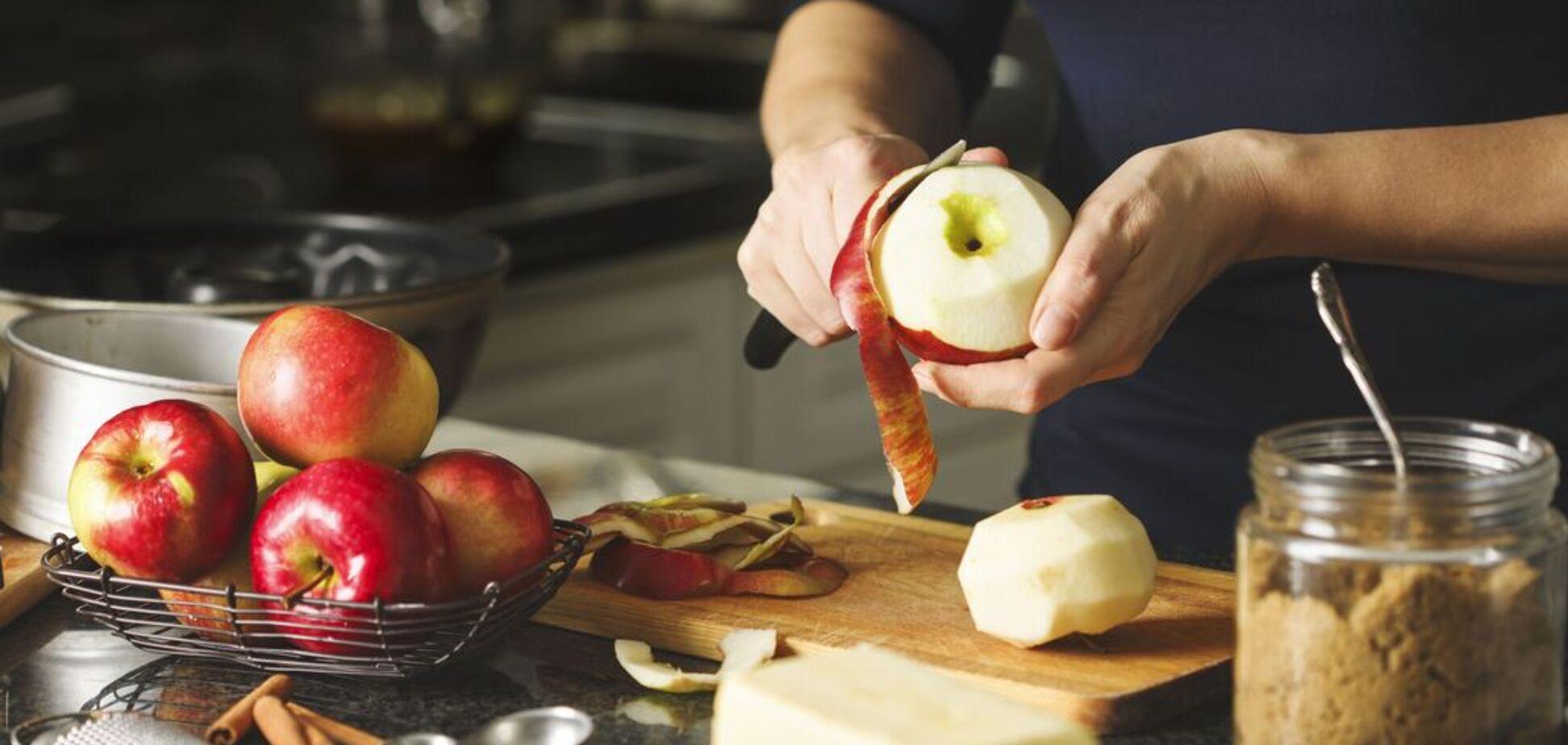 П'ять рецептів простих і смачних десертів з яблук
