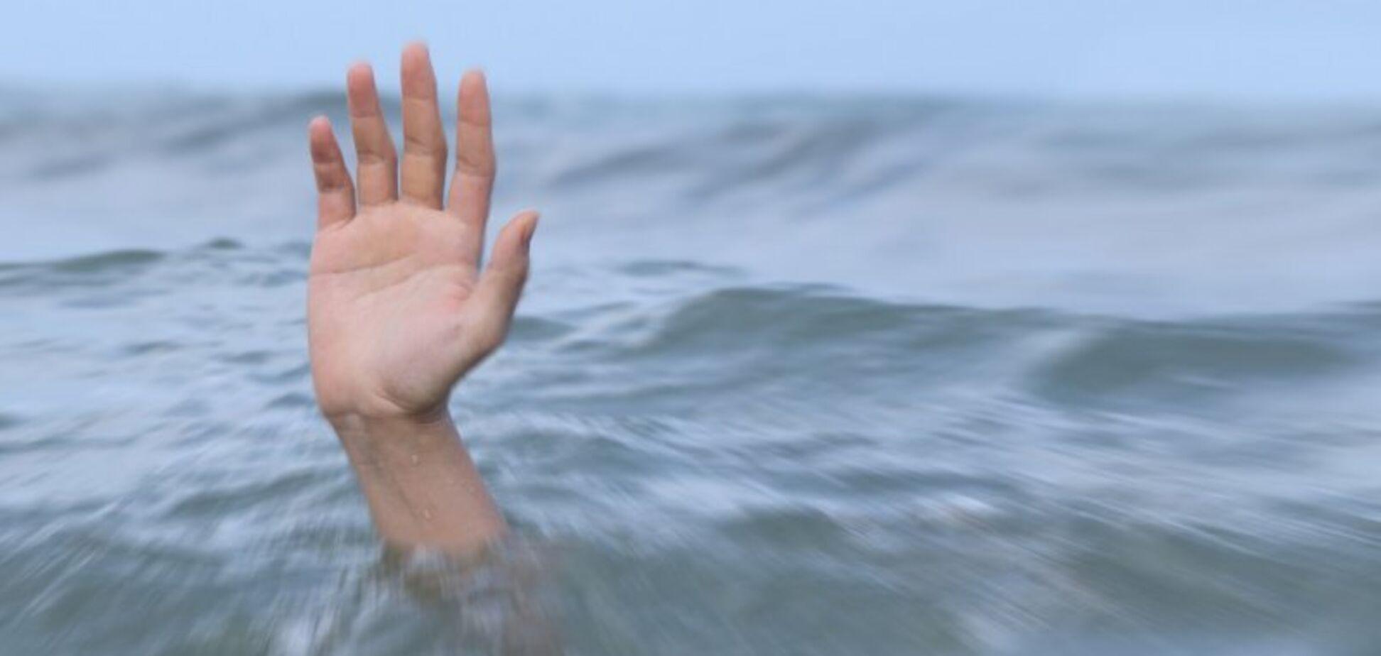 На очах у всіх: в кар'єрі під Дніпром потонула дитина
