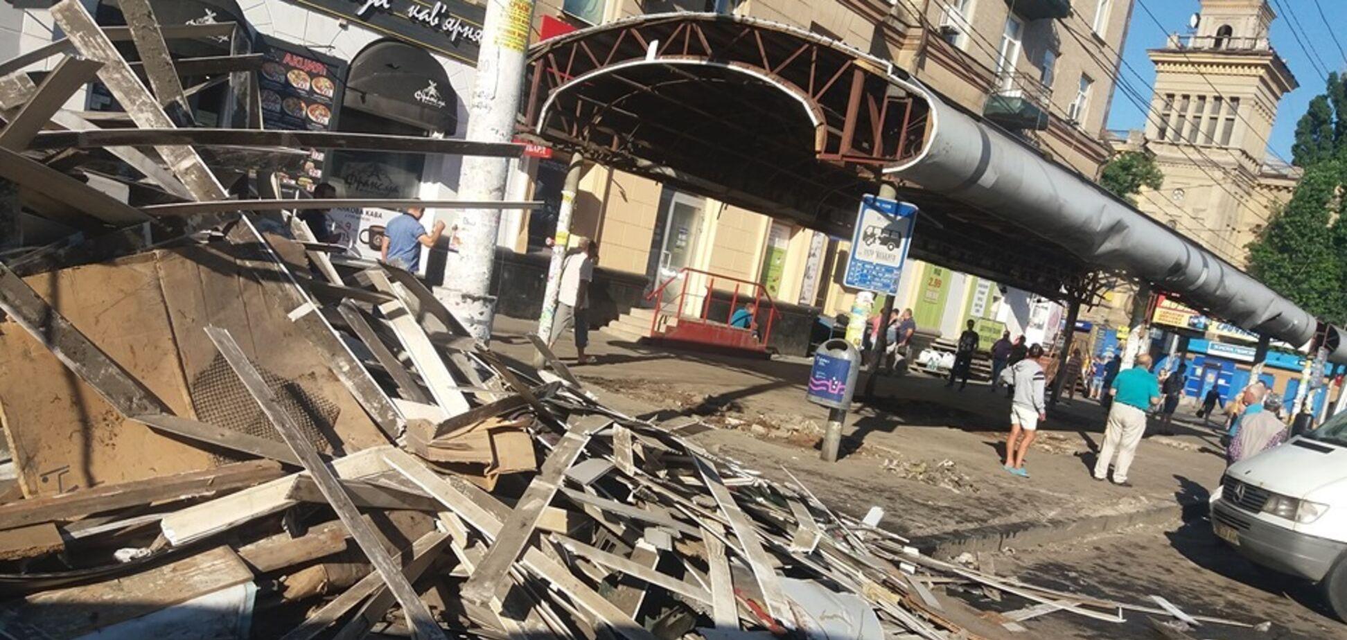 'Відбулося диво!' Дніпро позбавили від скандальних МАФів. Перші фото і відео