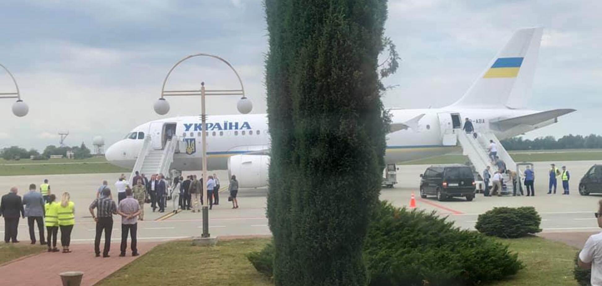 Літак Зеленського