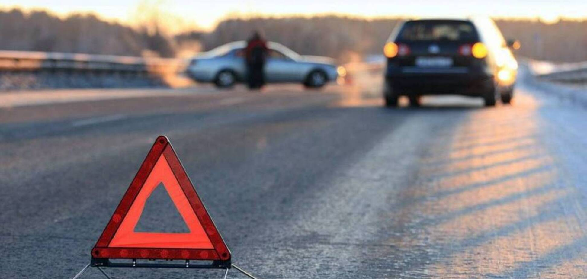 Параллельные пересеклись: под Днепром Opel протаранил едущий рядом 'ВАЗ'. Видео