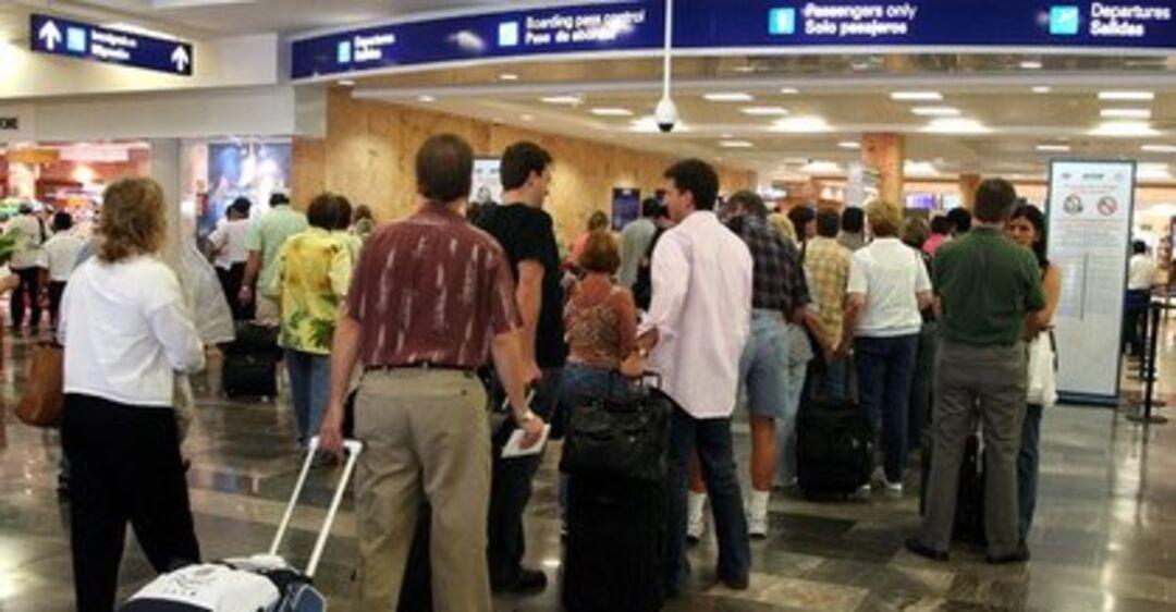 24 российских туриста не пустили в Мексику: что случилось