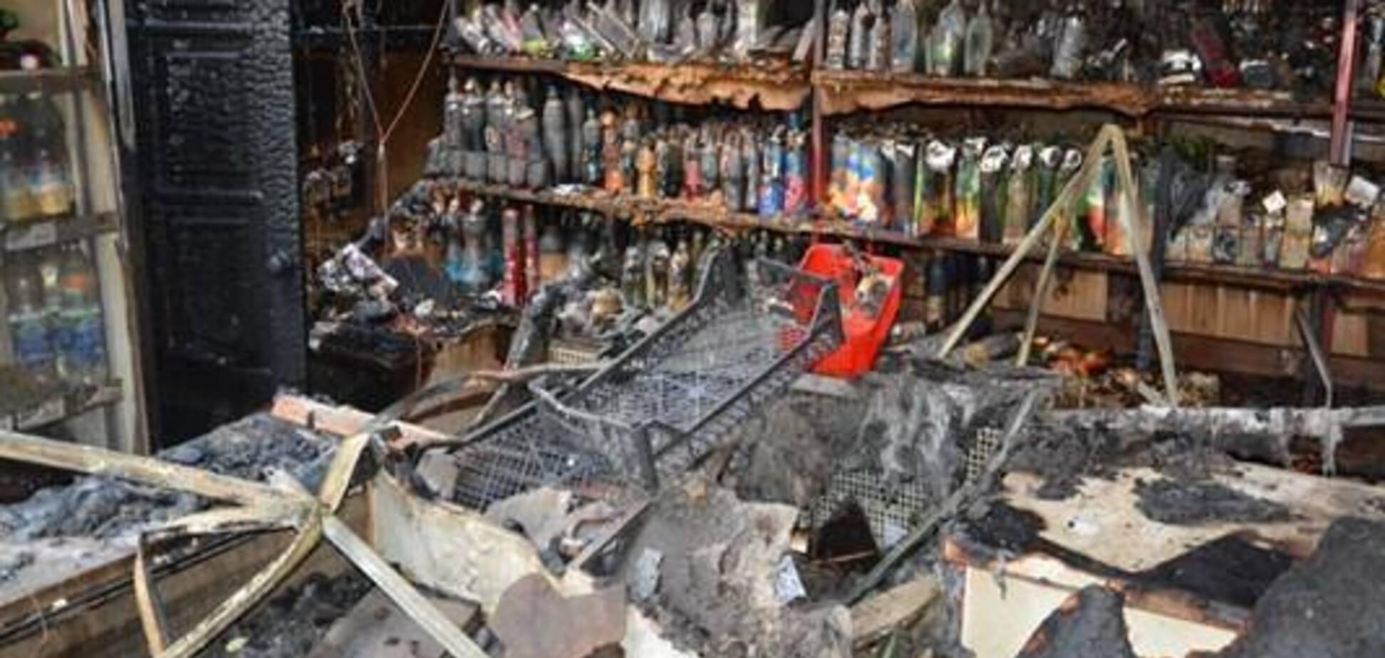 Під Києвом спалили магазин кандидата в народні депутати: перші фото