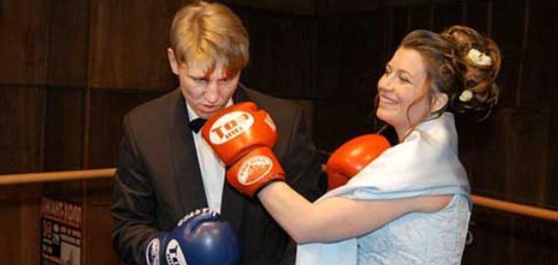 Російській чемпіонці світу з боксу колишній чоловік зламав щелепу