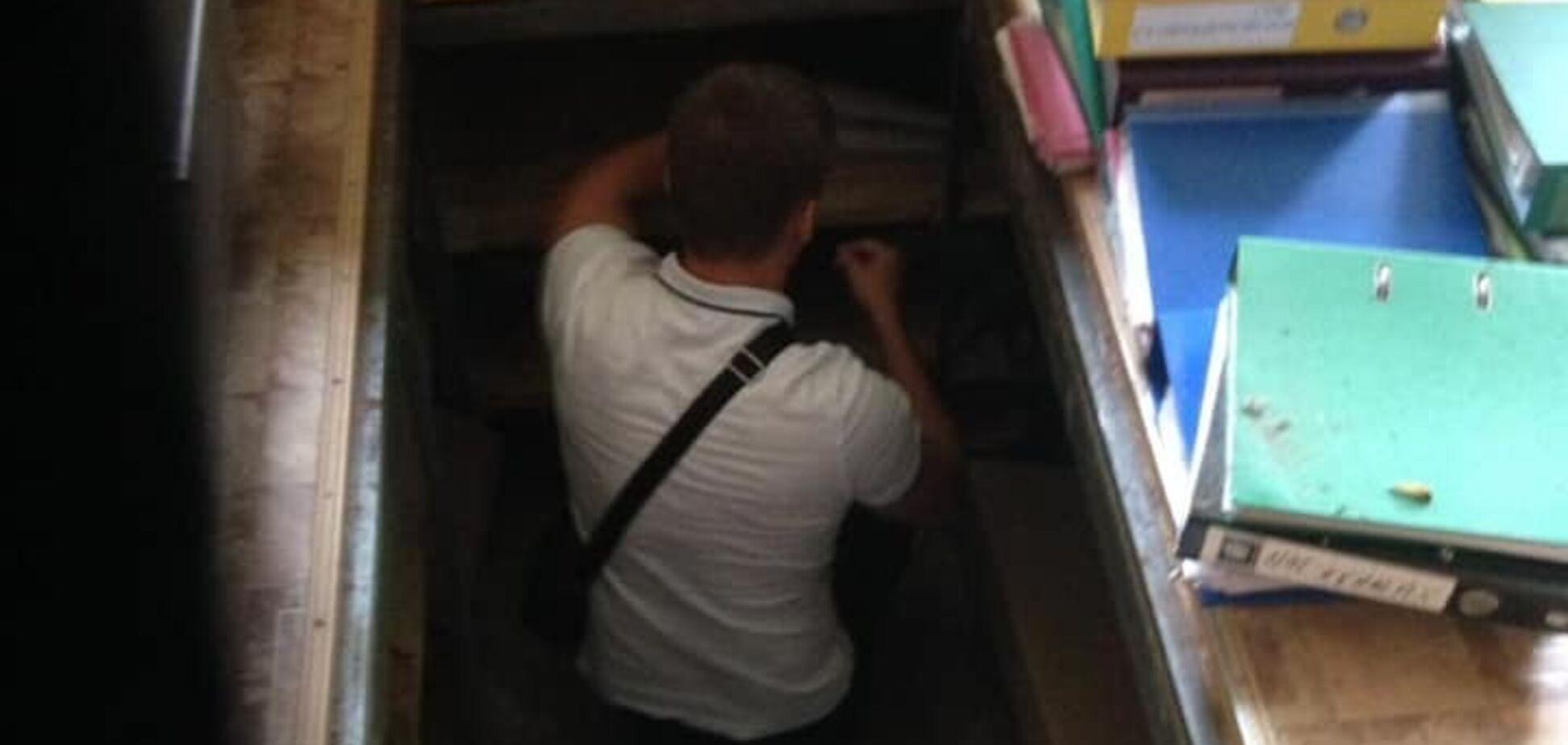 'Бухгалтерія в підвалі!' На Київщині чиновники розкрадали бюджет