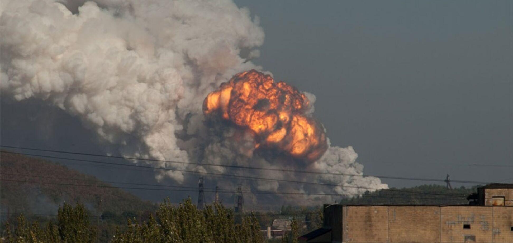 На Донбасі прогриміли десятки вибухів: що відбувається