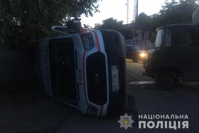 """У Дніпрі зіткнулися вантажівка і машина """"швидкої допомоги"""""""