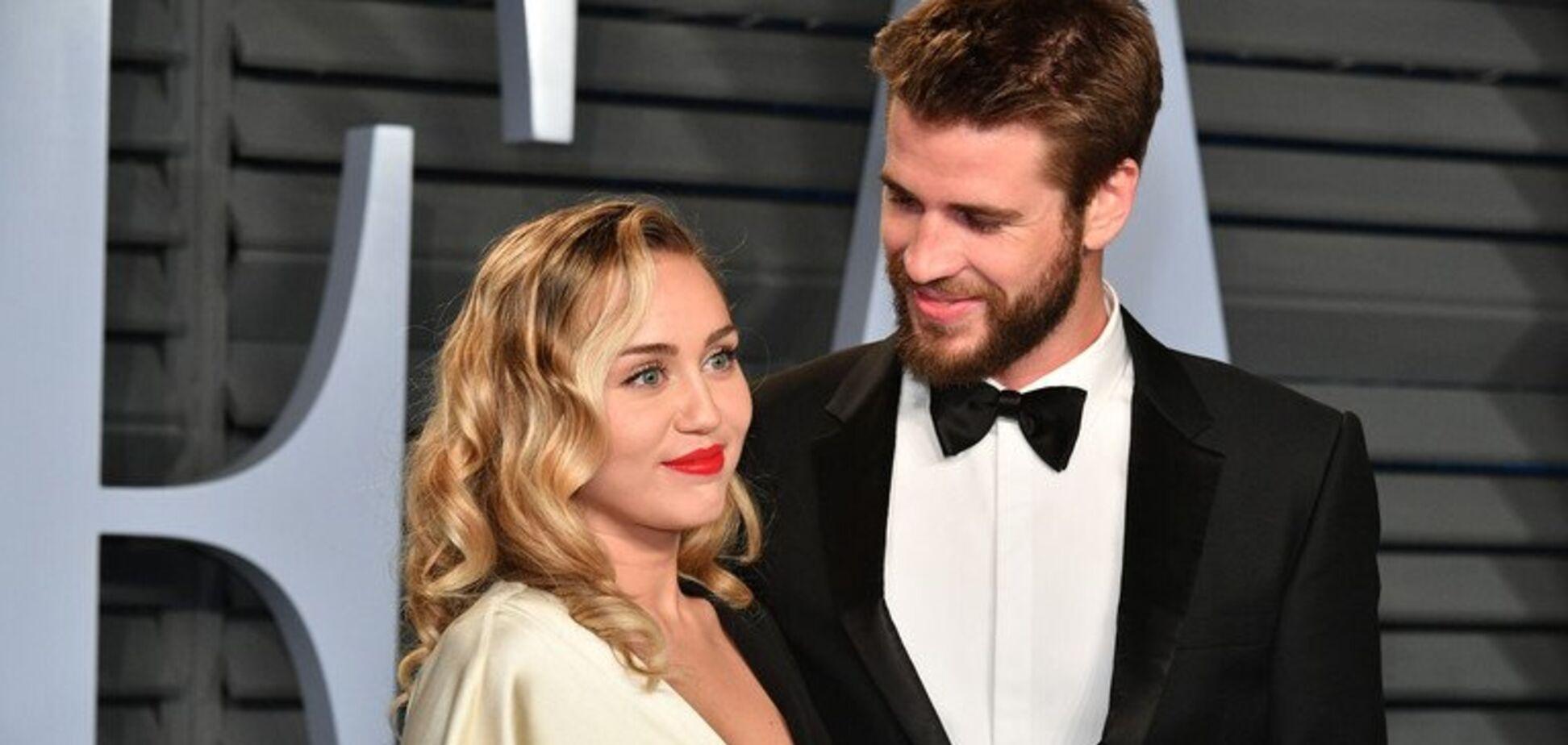 Відома американська співачка розлучилася з чоловіком через дівчину: фото 'палких' поцілунків