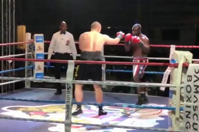 Непобедимый украинский супертяж завершил бой мощным нокаутом