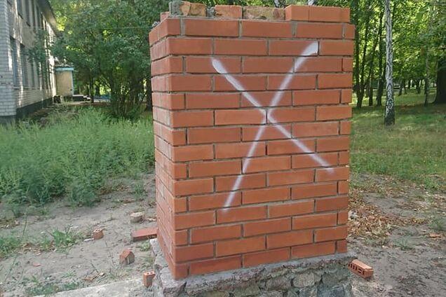 Невідомі розбили меморіал воїну АТО
