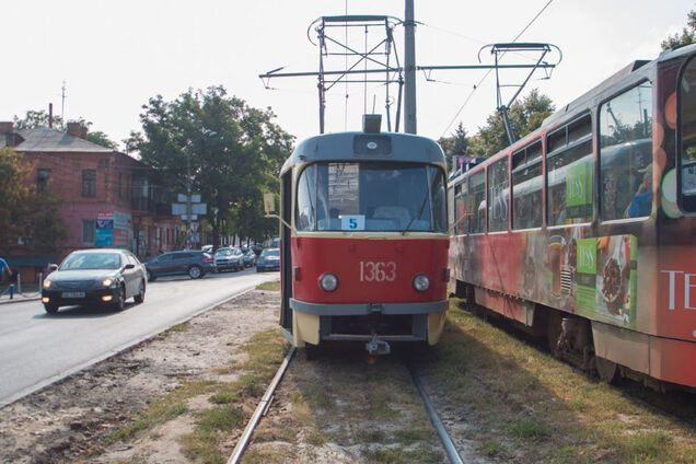Чоловік впав під трамвай