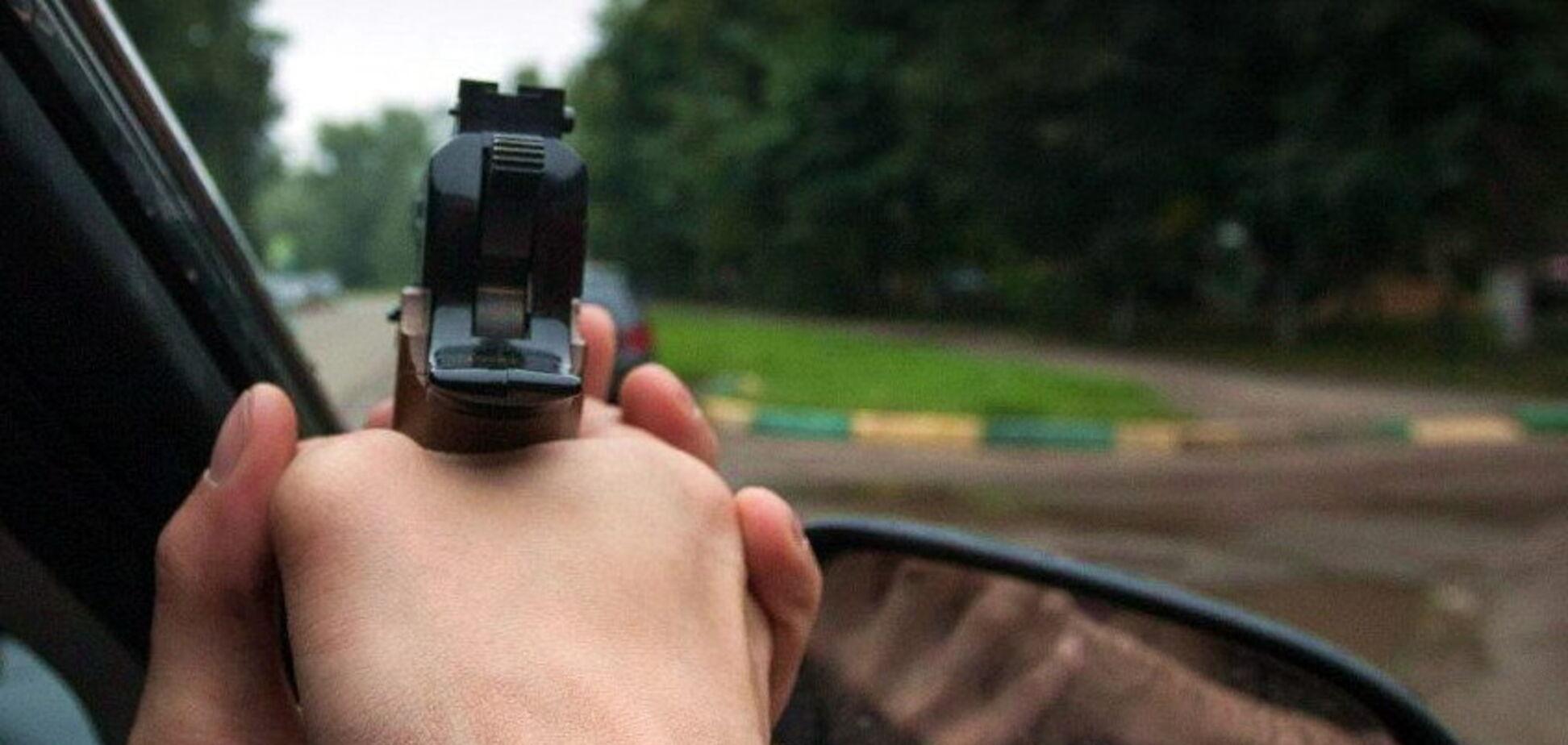 Стрілянина в Дніпрі по авто з людьми: поліція зловила хуліганів