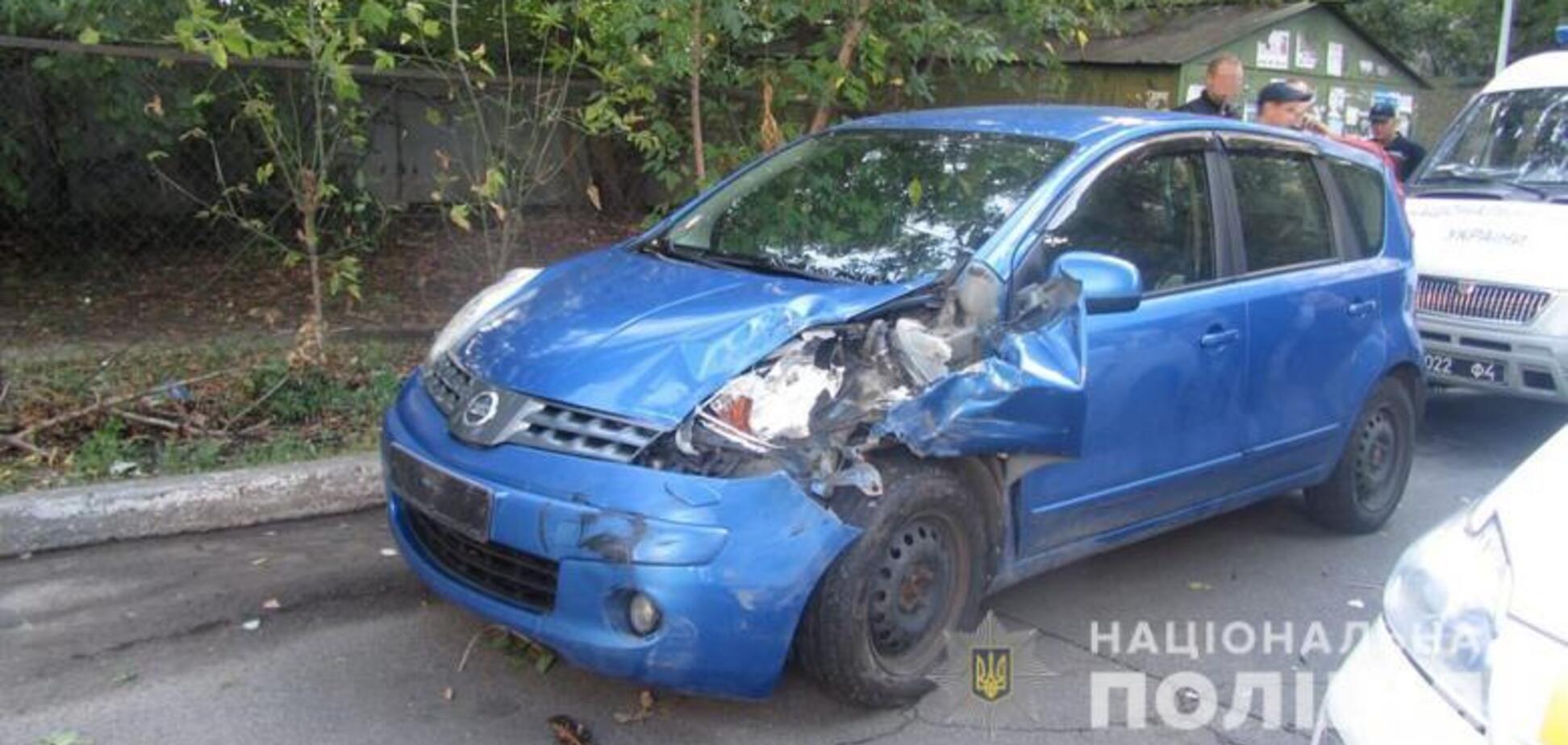 Чоловік викрав і розбив авто