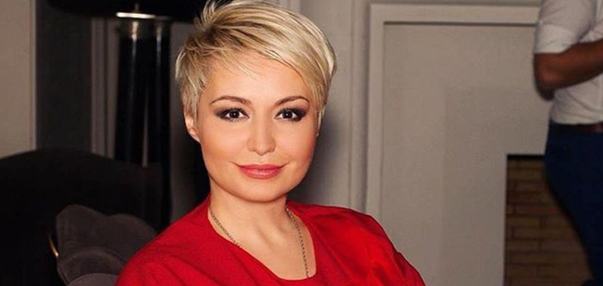 'Вони вливали в мене ліки': популярна в РФ співачка зізналася в незвичайному дарі