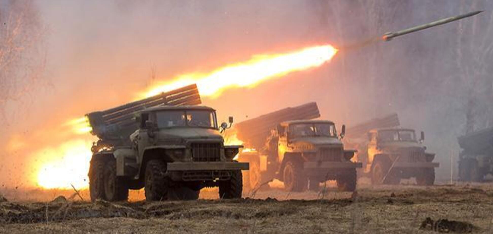 Военные Путина стянули на Донбасс 'Грады' и танки: в чем дело