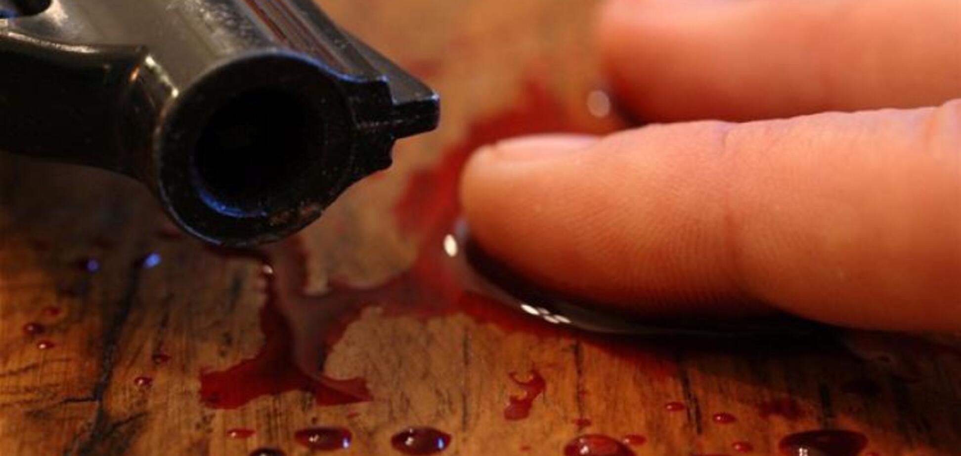 У Дніпрі чоловік застрелився з рушниці на очах у дружини: фото з місця подій