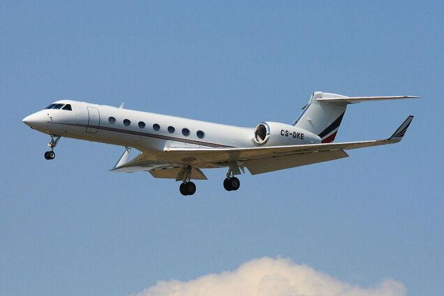 Літак здійснив аварійну посадку у Шереметьєво