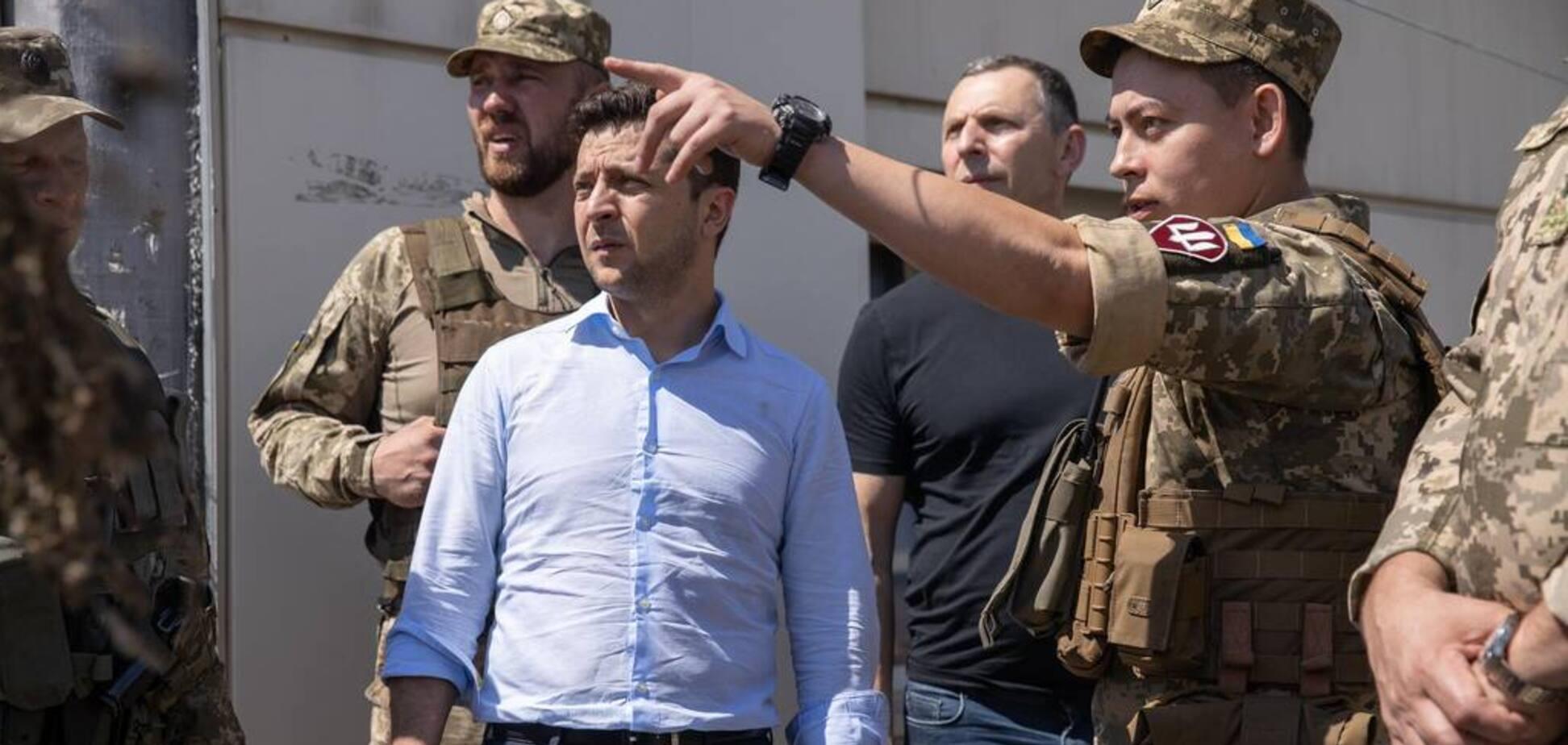 'Дрожали губы и глаза бегали': генерал рассказал о реакции Зеленского на гибель воинов ВСУ