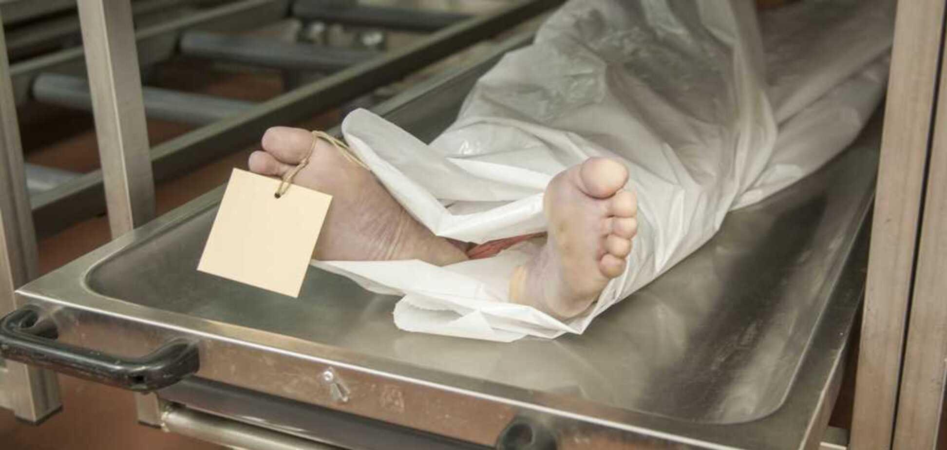 У Дніпрі виявили труп зі зламаною рукою: моторошні фото
