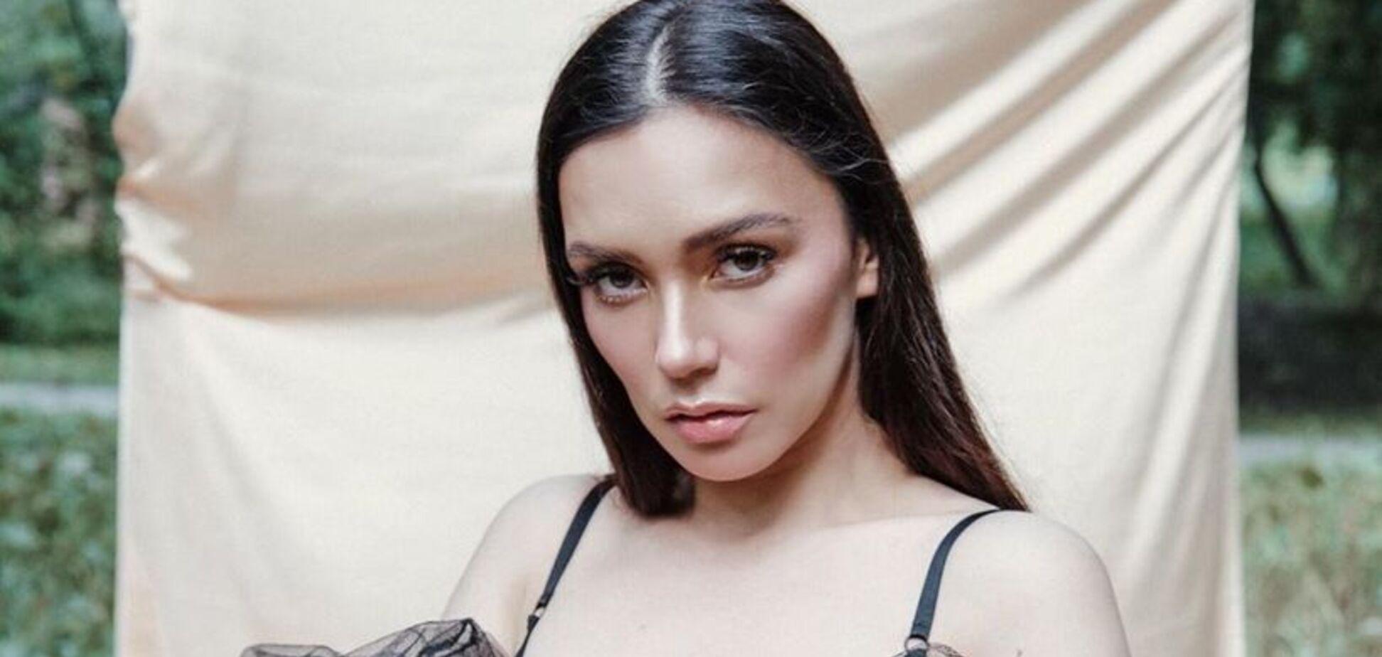 Російська поп-діва розбурхала мережу відвертою фотосесією
