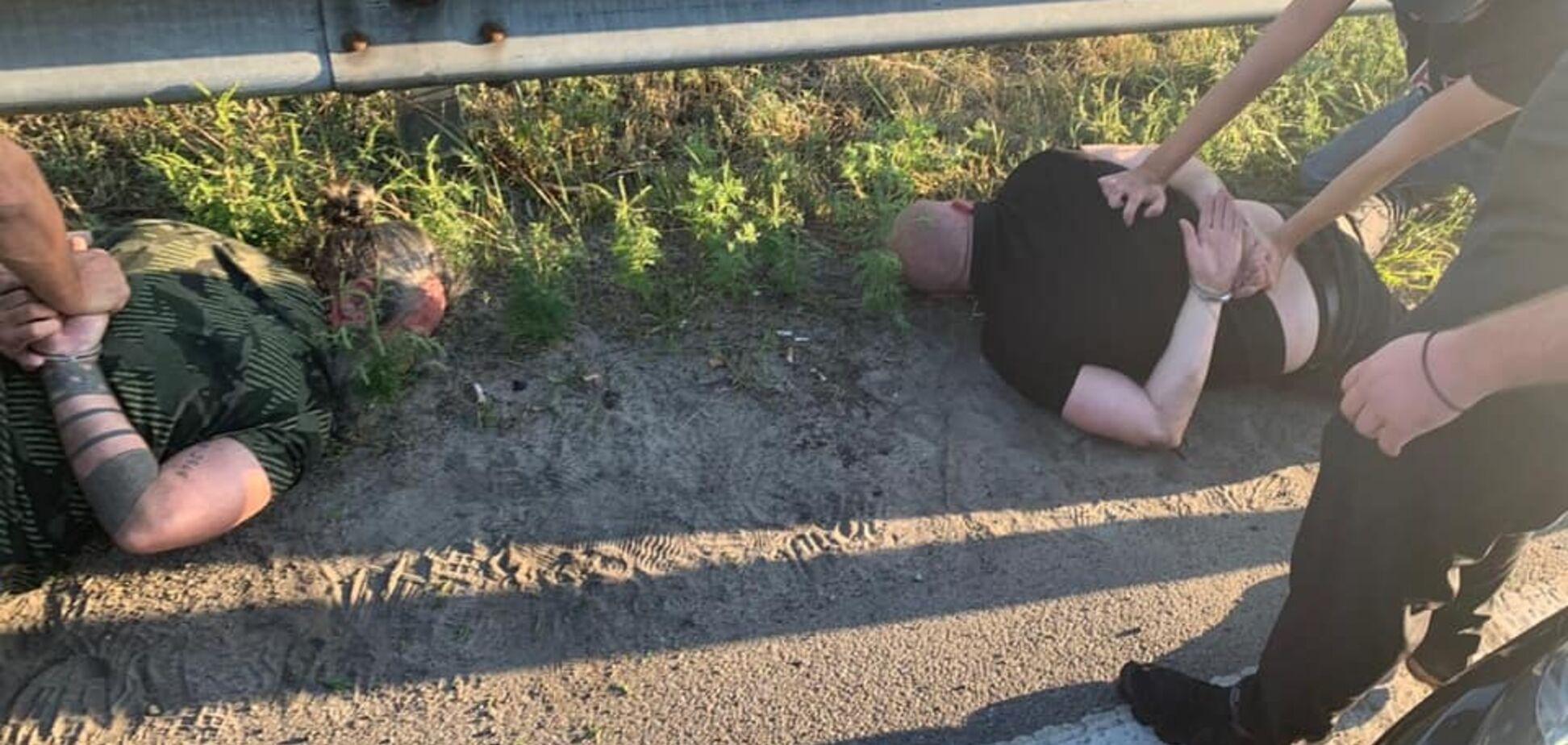 'Молниеносное задержание!' На Киевщине спецназ поймал банду иностранцев. Видео