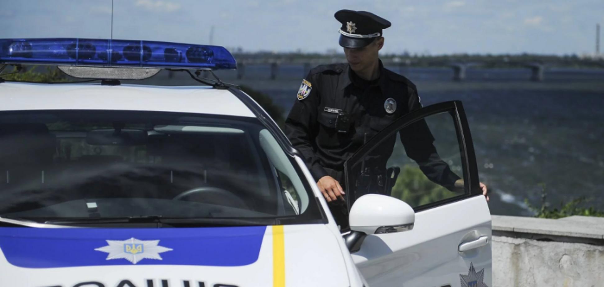 'Впав і захрипів!' Під Києвом після зупинки поліцією помер водій