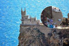 ''Не нравится, едьте в свою Турцию'': почему крымчане не уживаются с русскими туристами