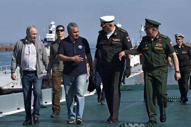Владимир Путин, Сергей Шойгу во время поездки в Северо-Западный федеральный округ