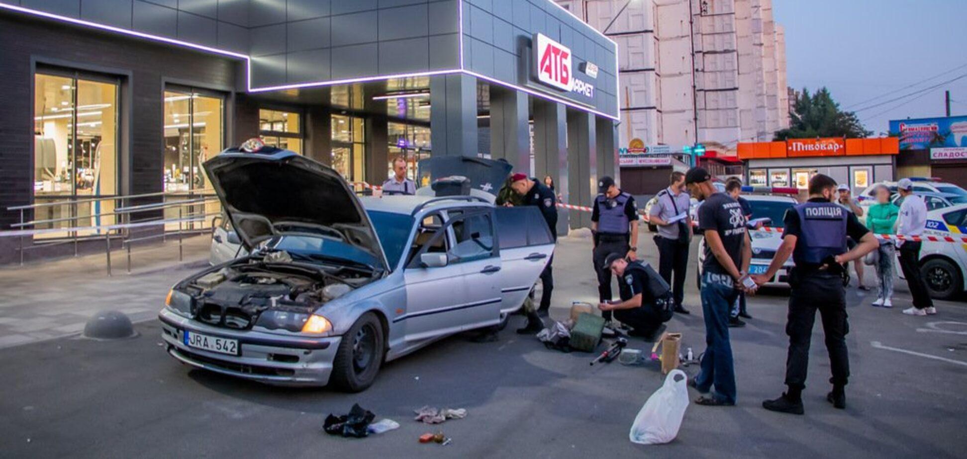 Могло вибухнути в будь-який момент: по Дніпру їздило авто з боєприпасами. Відео