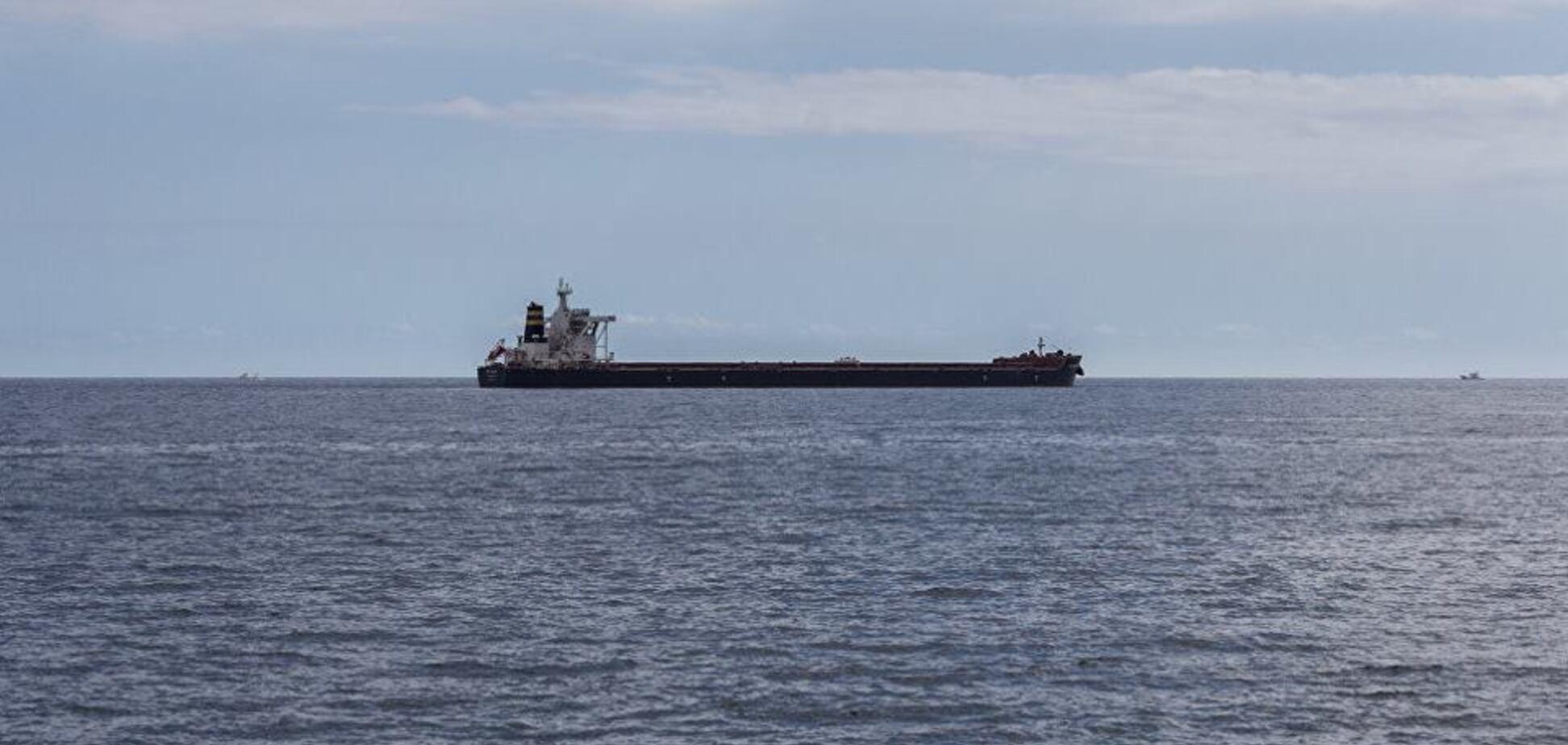 Пограничники задержали танкер 'Мрия' - 'Тефин'