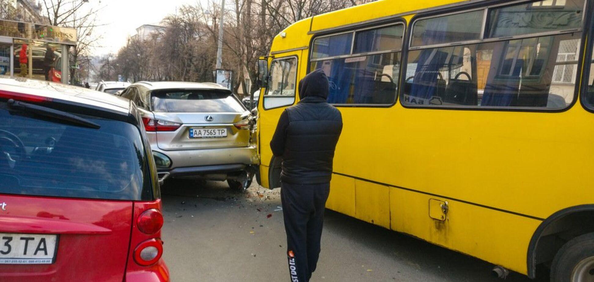 'За*бали вояки!' У Києві маршрутник образив ветерана АТО: в мережі скандал