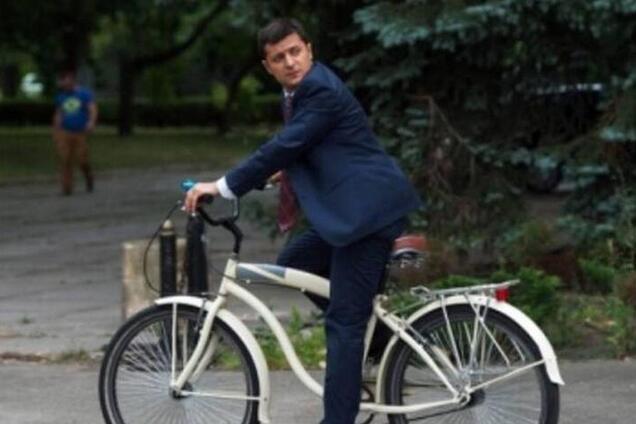 Володимир Зеленський на велосипеді