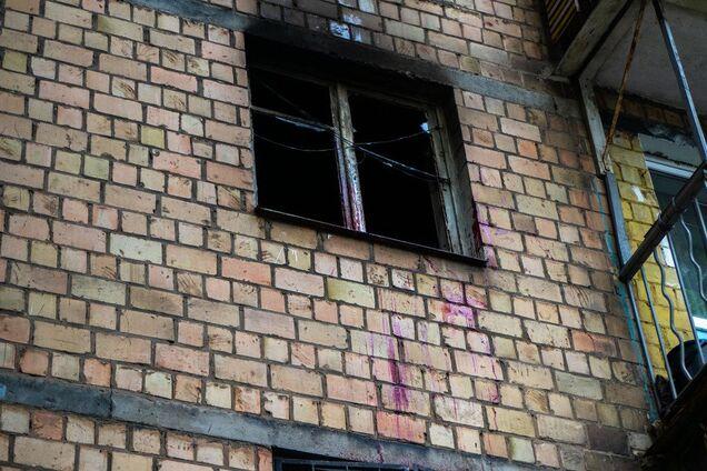 У Києві спалахнула квартира з людьми