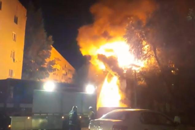 Пожежа у житловому будинку в Саратові