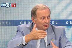 Скандал с Россией и G8: дипломат раскрыл цель Макрона