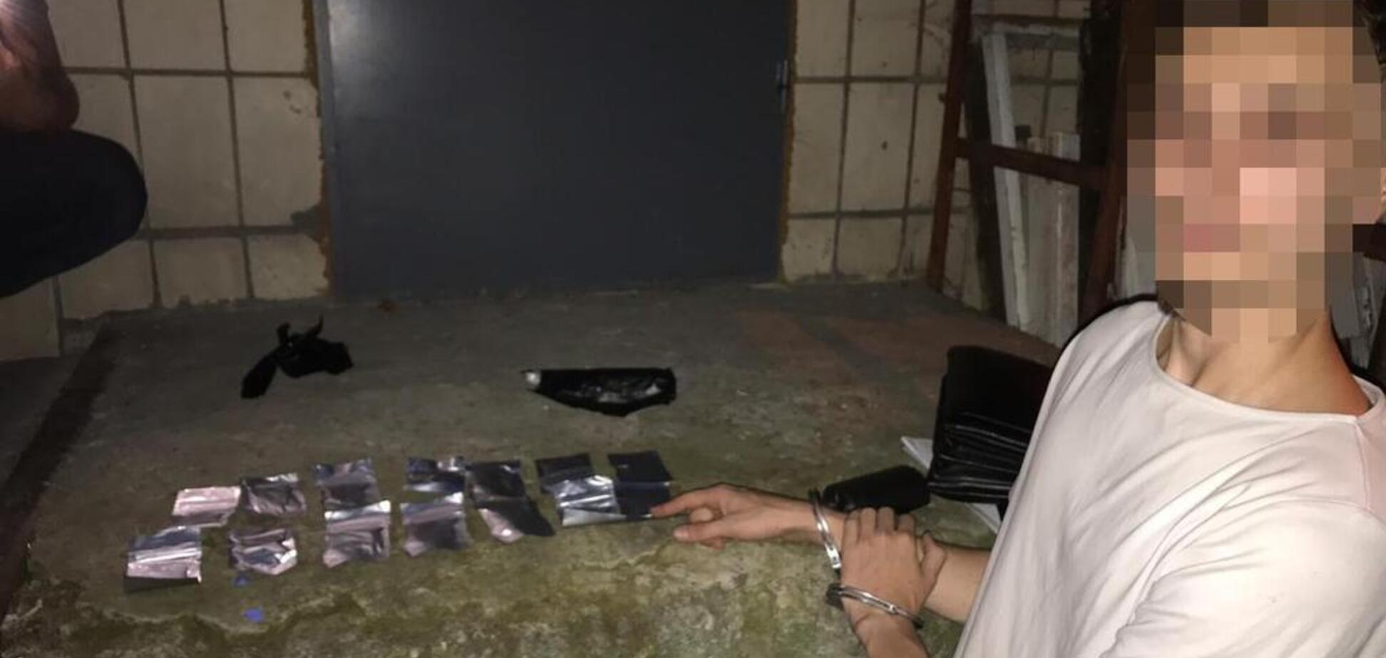 У Києві накрили інтернет-магазин наркотиків