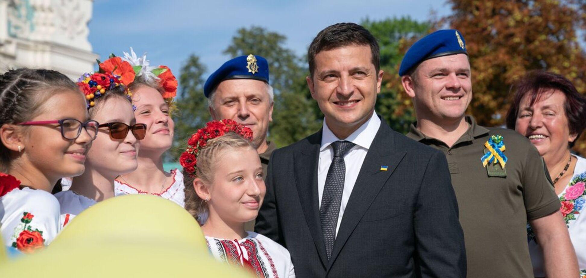 Зеленський ввів День пам'яті захисників України: названа дата