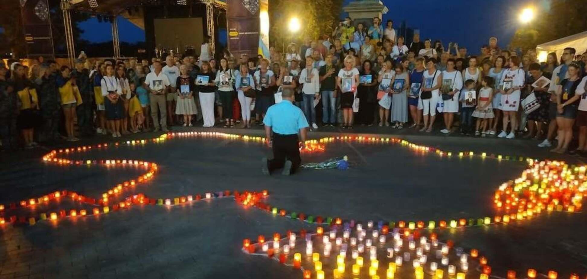 В Одессе россиянин на коленях раскаялся за Донбасс и Крым