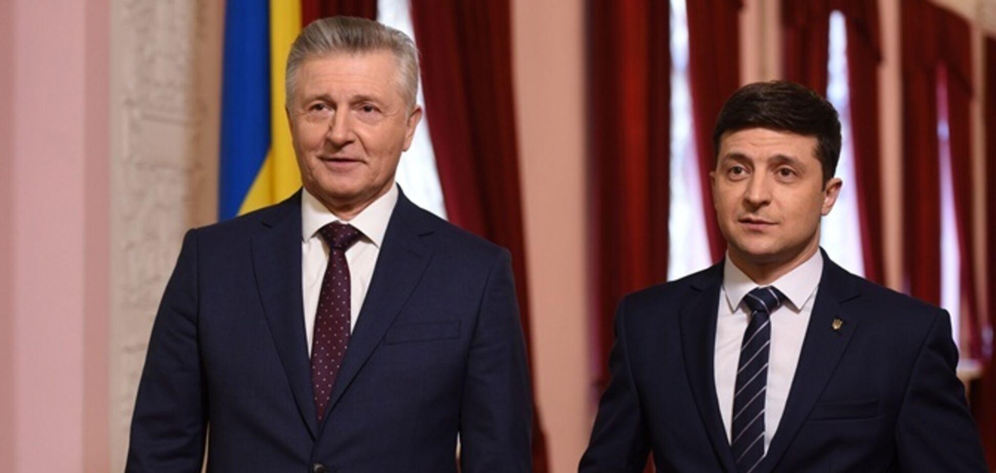 Испугался журналистов? Зеленский дал интервью о своих 100 днях актеру из 'Слуги народа'
