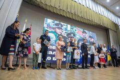 В Україні поліцейські та рятувальники отримали нове житло