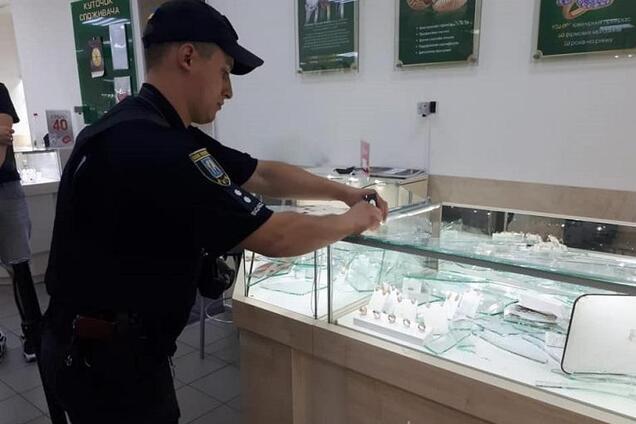 Пограбували ювелірний в Києві