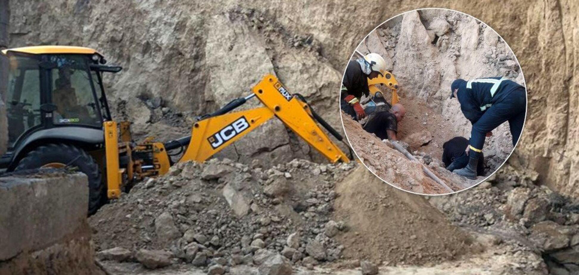 У Дніпрі чоловіка заживо поховало під товщею глини: відео порятунку