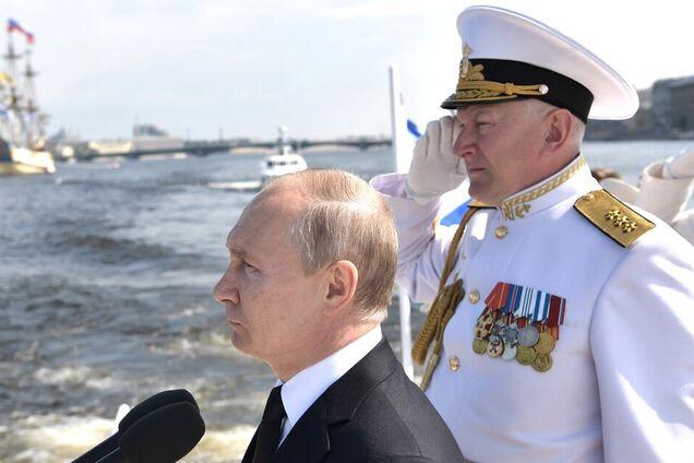 Владимир Путин на военно-морском параде