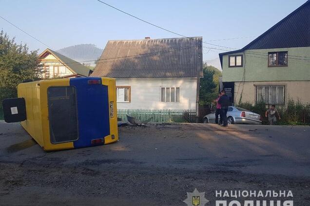 На Закарпатті трапилася ДТП із пасажирським автобусом