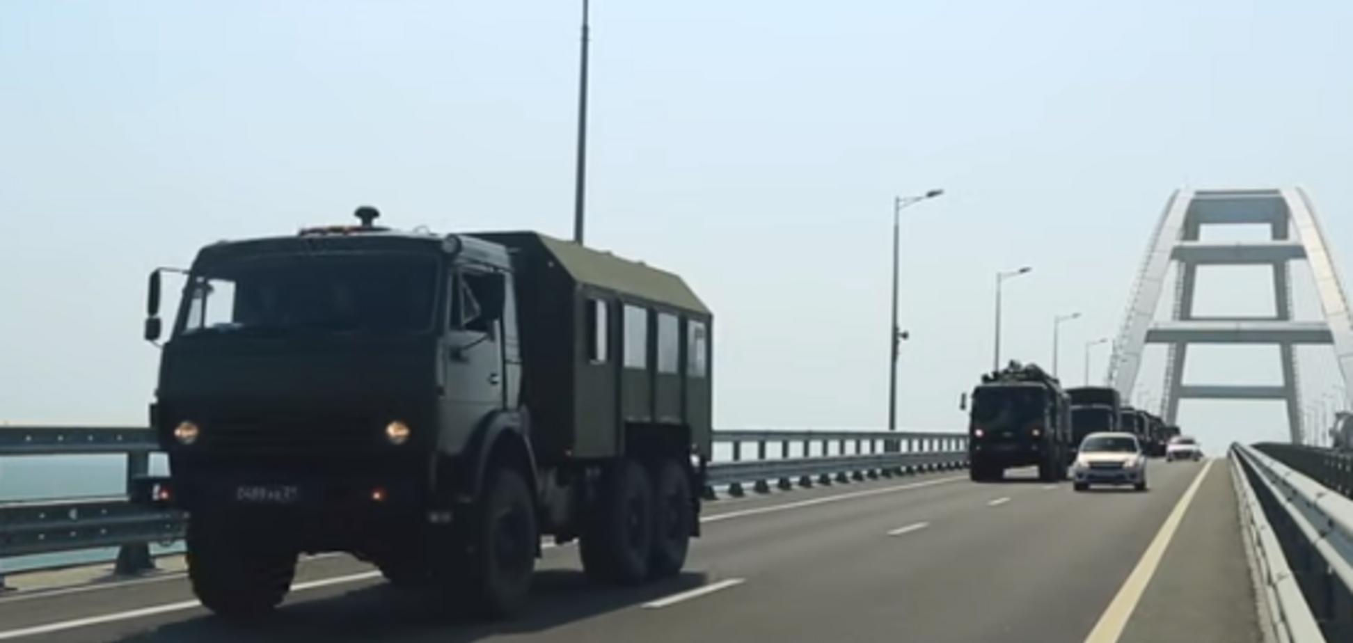 По Кримському мосту пронеслися військові колони: опубліковано відео