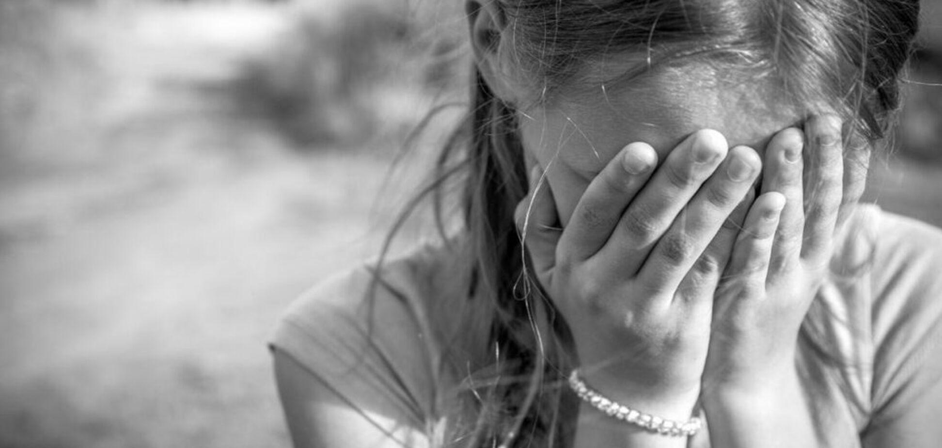 На Черкащині батько кинув у колодязь трирічного сина і по-звірячому порізав доньку