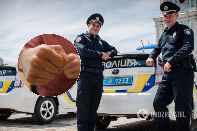 У Києві двоє чоловіків жорстоко побили поліцейського